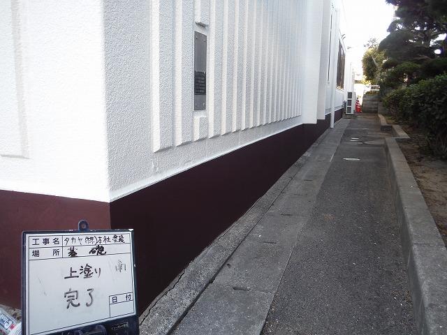 基礎塗装は撥水性の高い塗料を使用しました。